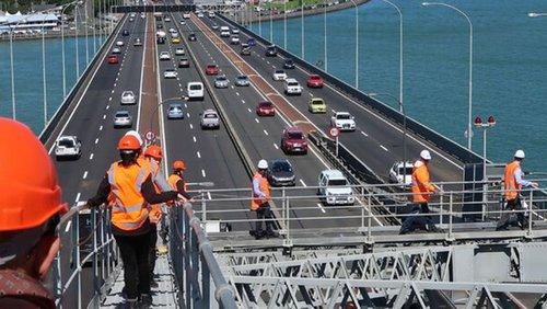 Auckland Harbour Bridge walk