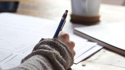 Constructing sentences - writing reports