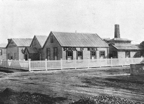 Thames School Mines